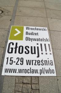 Naklejka chodnikowa - Akcje spoleczne Wroclawski Budżet Obywatelski