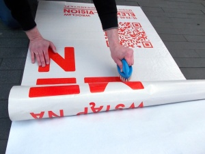 Naklejka na chodnik - promocja wydarzeń i akcji społecznych